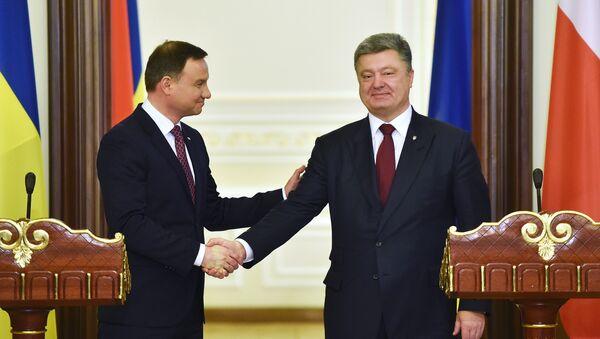 Prezydent Ukrainy Petro Poroszenko z prezydentem Polski Andrzejem Dudą - Sputnik Polska