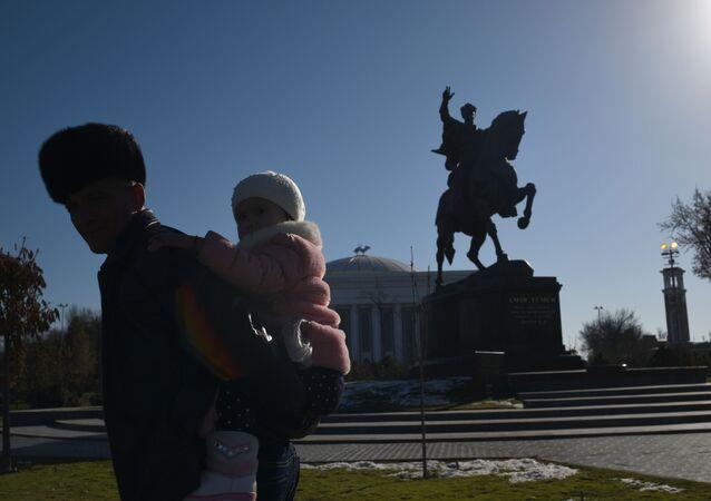 Pomnik Tamerlana w Taszkiencie.