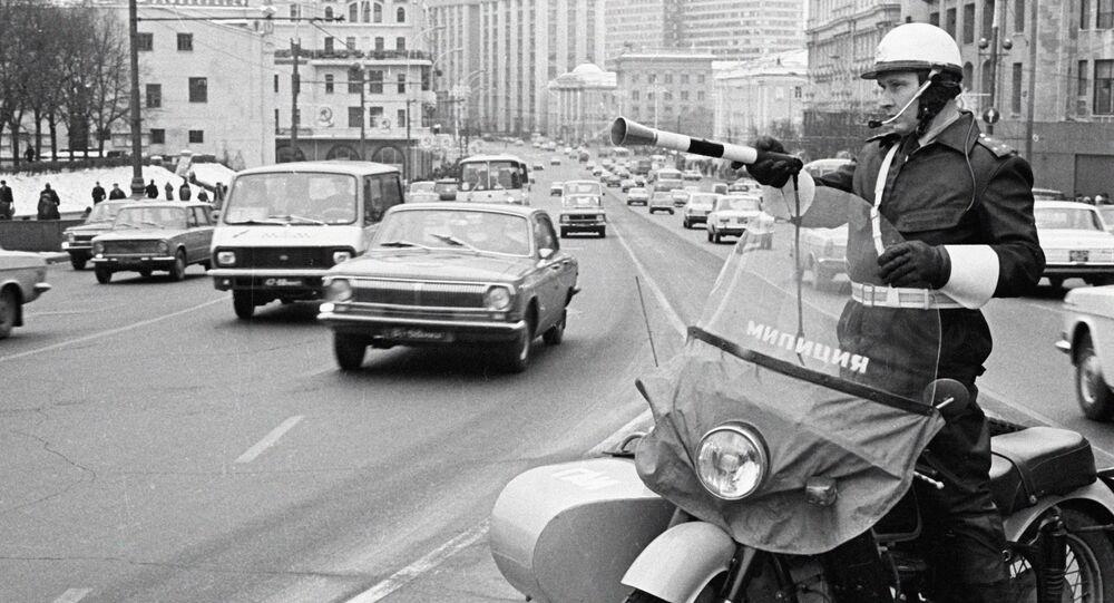 Milicja pilnuje porządku na drodze