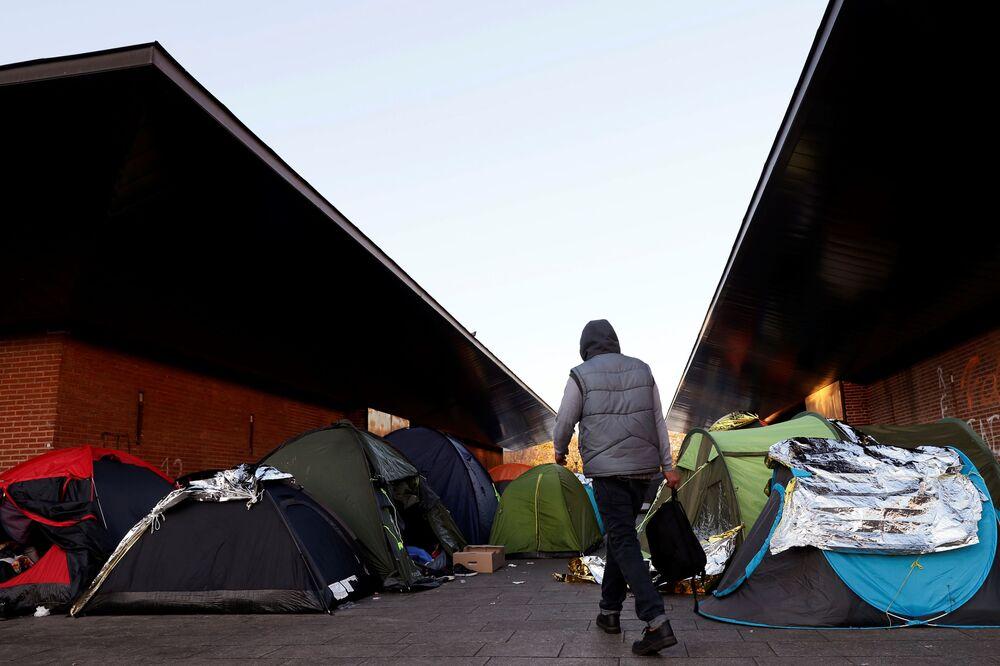 Obóz dla uchodźców w Saint-Denis w Paryżu