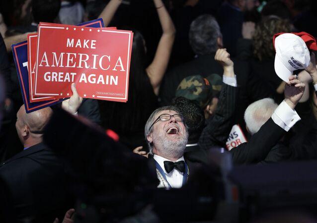 Zwolennicy kandydata na urząd prezydenta USA z ramienia Partii Republikańskiej Donalda Trumpa
