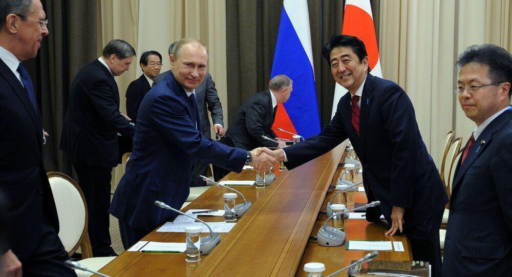 Władimir Putin i Shinzo Abe w Soczi