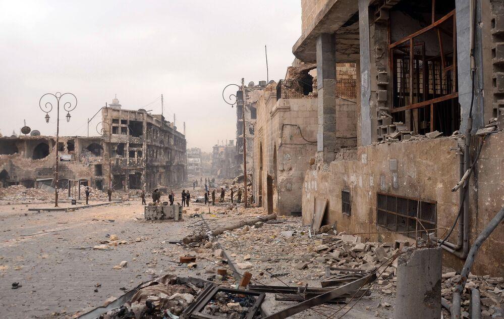Zrujnowane Stare Miasto w Aleppo w 2013 roku