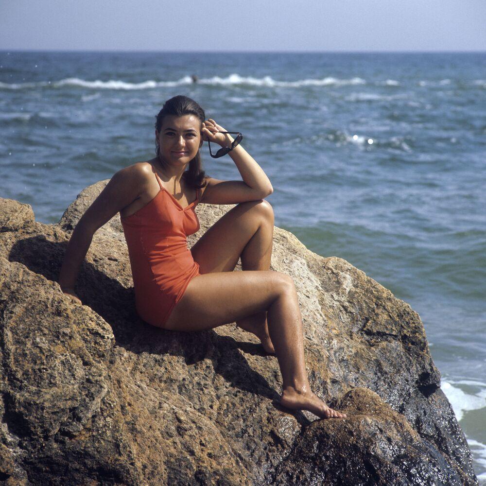 Dziewczyna na plaży w Odessie, 1971 rok