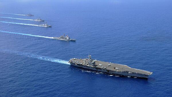 Grupa lotniskowa floty Marynarki Wojennej USA na Morzu Południowochińskim - Sputnik Polska