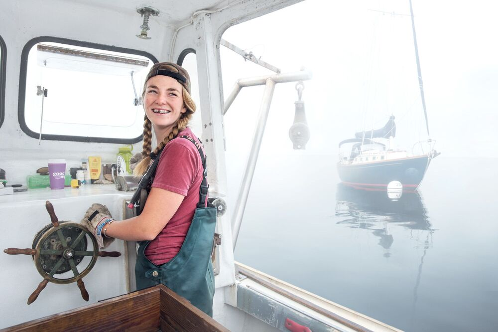 Kobieta pracująca jako poławiacz homarów w amerykańskim stanie Maine