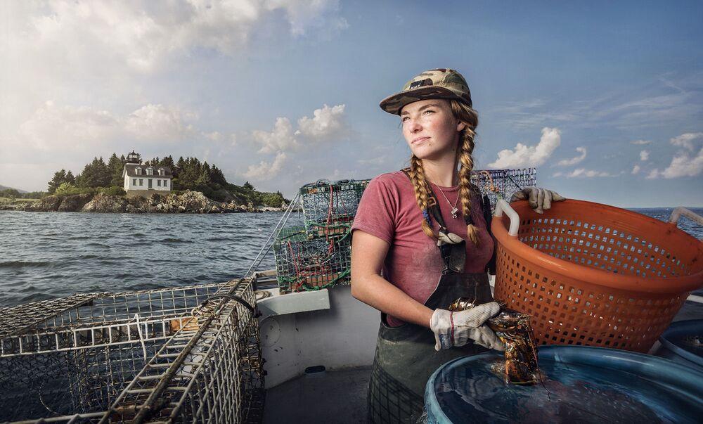Kobieta pracująca jako poławiacz homarów w Rockporcie