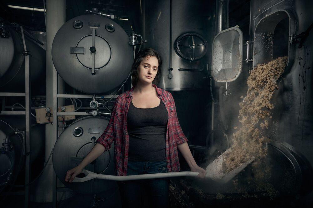 Kobieta pracująca jako piwowar w Philadelphii