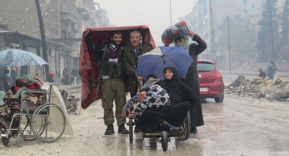 Mieszkańcy wschodniego Aleppo.