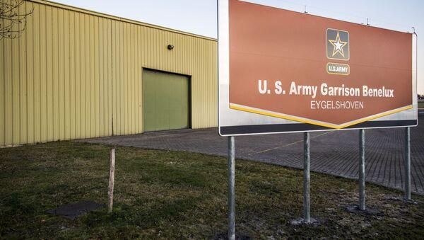 Stany Zjednoczone wznawiają prace magazynu sprzętu wojskowego w holenderskim mieście Eygelshoven i dyslokują w nim czołgi - Sputnik Polska