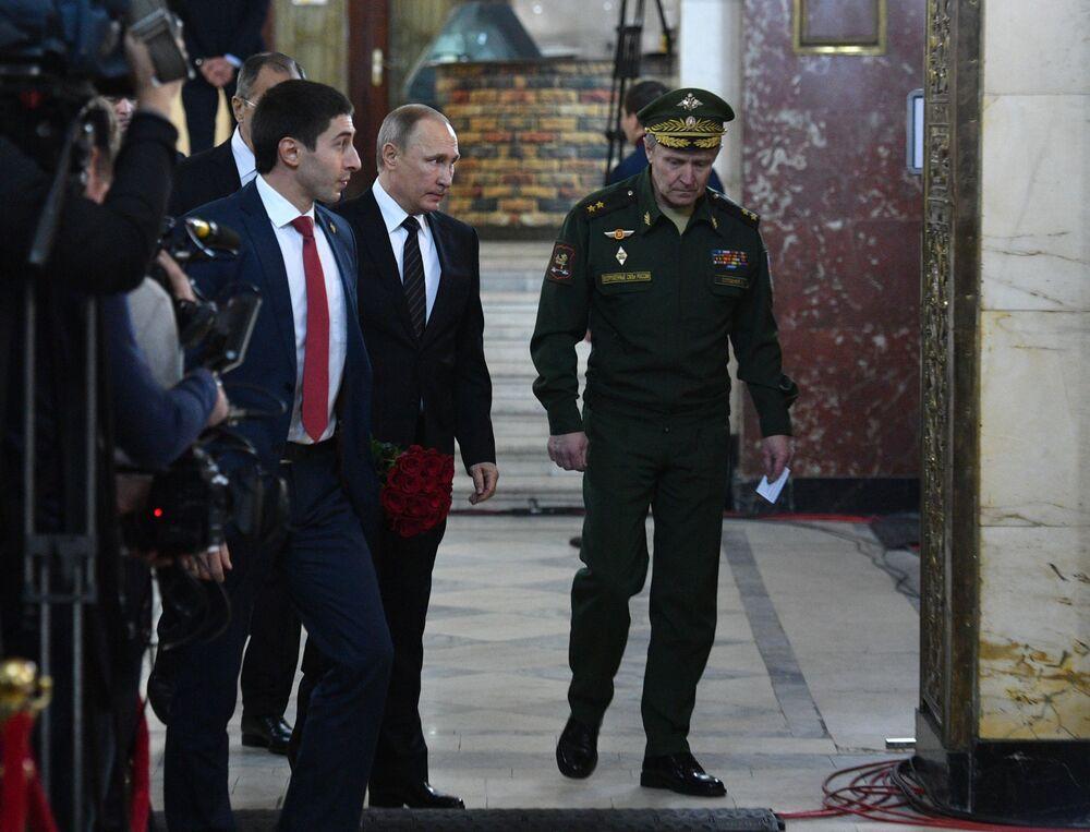 Ceremonia pożegnania rosyjskiego ambasadora w Turcji Andrieja Karłowa