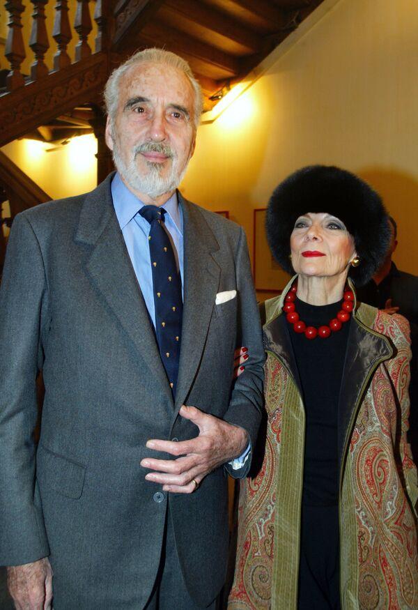 81-letnia duńska modelka Gitte Lee, która wychodziła na podium jeszcze w latach 50-ych XX wieku, znana jest także jako żona brytyjskiego aktora Christophera Lee. - Sputnik Polska