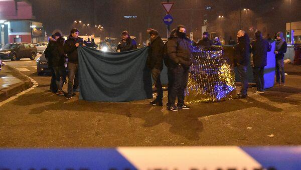 Włoska policja koło ciała zastrzelonego Anisa Amri - Sputnik Polska