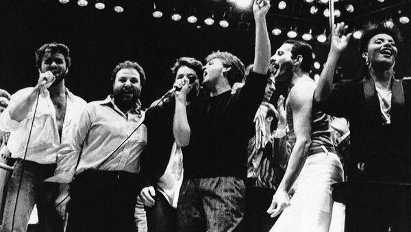 Джордж Майкл, Пол Маккартни, Фредди Меркьюри и другие исполнители на благотворительном концерте в помощь голодающим в Лондоне, 1985 - Sputnik Polska