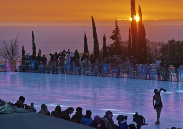 Otwarcie największego otwartego lodowiska ze sztucznego lodu w hotelu Mriya Resort & Spa na Krymie.
