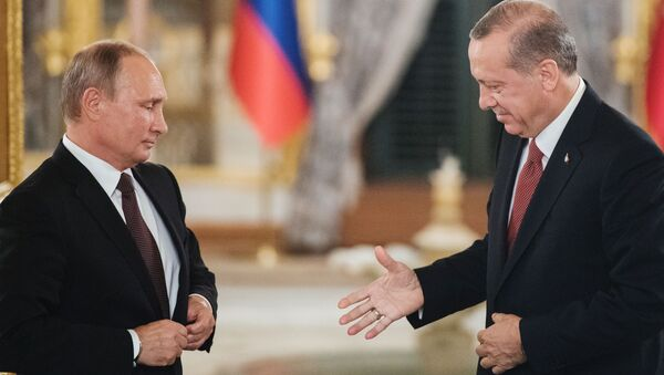Prezydent Rosji Władimir Putin i prezydent Turcji Recep Tayyip Erdogan w czasie spotkania w Stambule - Sputnik Polska