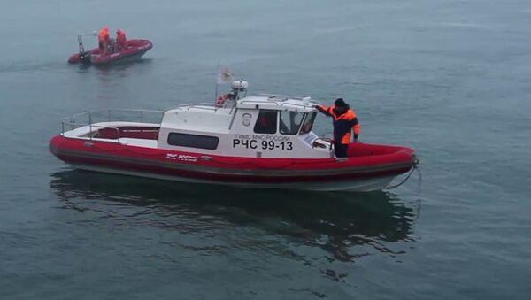 Ratownicy podczas akcji ratowniczej u wybrzeża Morza Czarnego w rejonie katastrofy Tu-154 - Sputnik Polska