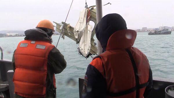 Retrieving the wreckage of the crashed Tu-154 aircraft in the Black Sea near Sochi - Sputnik Polska
