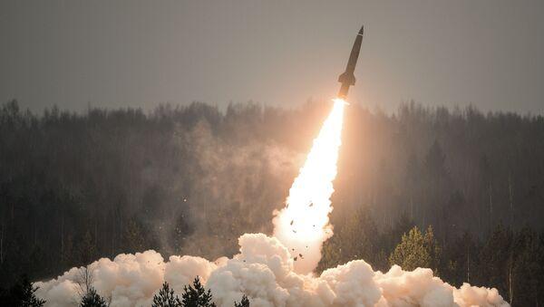 Pokazowy wystrzał rakiety Toczka-U w obwodzie leningradzkim - Sputnik Polska