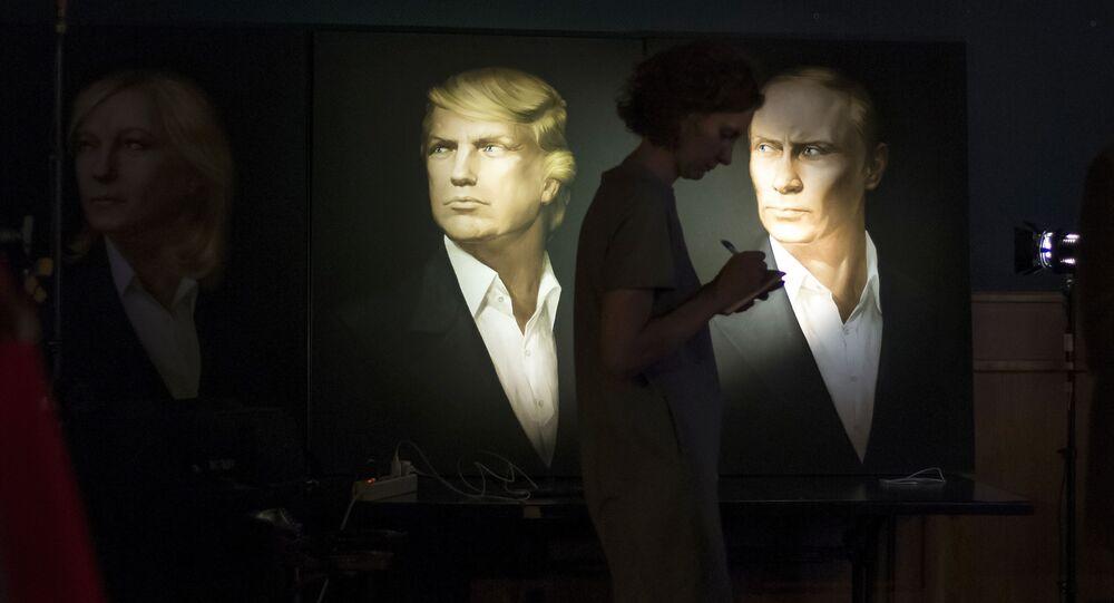 Portrety prezydenta elekta USA Donalda Trumpa i prezydenta Rosji Władimira Putina w jednym z pubów w Moskwie