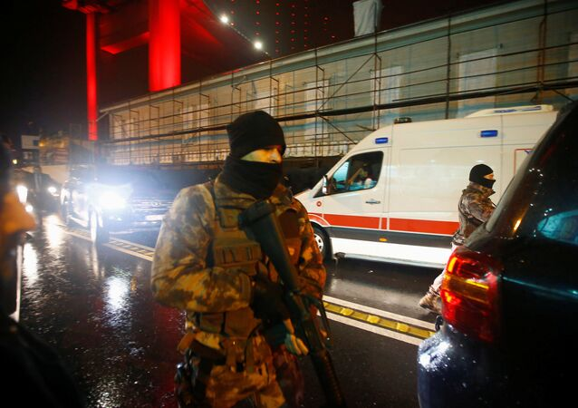 Tureckie media ujawniły wizerunek mężczyzny, którzy prawdopodobnie był zamachowcem z klubu Reina