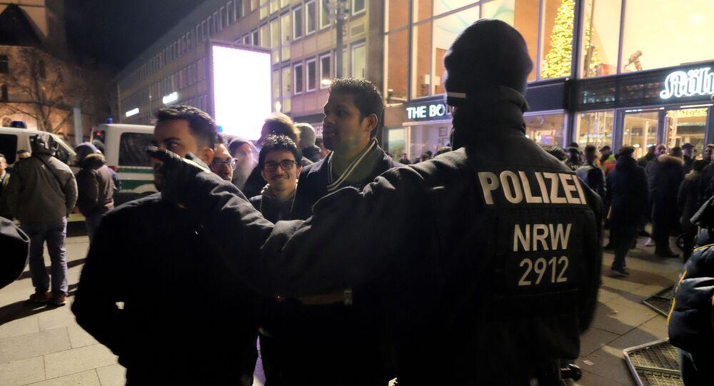 Niemiecka policja w noc sylwestrową wylegitymowała w Kolonii kilkuset mężczyzn pochodzących z krajów arabskich i afrykańskich