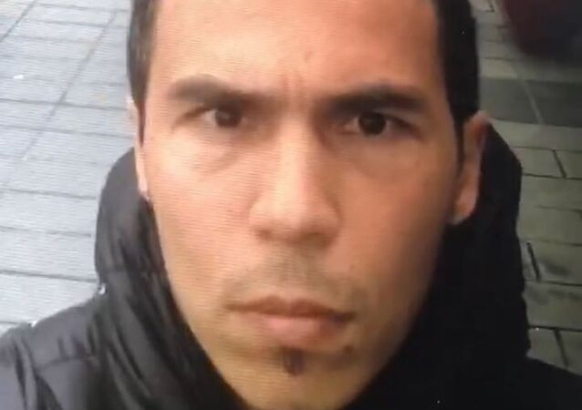 """Turecka policja opublikowała zdjęcia zamachowca, który zaatakował w nocnym klubie """"Reina"""" w Stambule."""