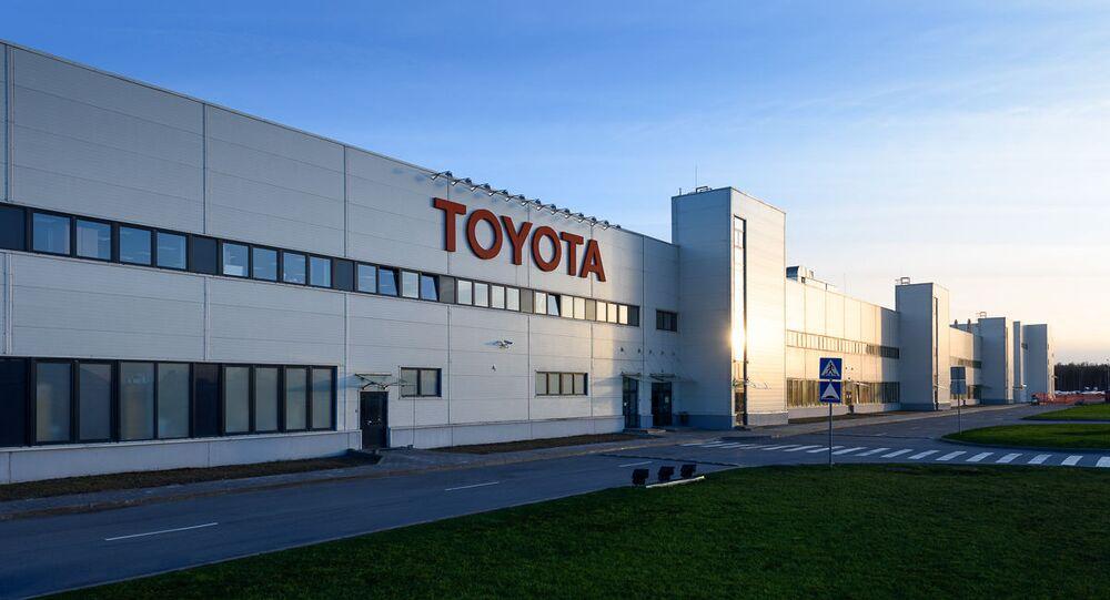 Prezydent elekt USA Donald Trump zagroził japońskiemu koncernowi Toyota dużymi podatkami importowymi, jeśli firma zbuduje w Meksyku fabrykę samochodów przeznaczonych na rynek amerykański