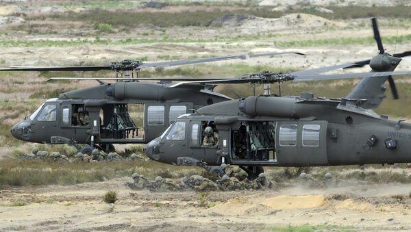 Helikoptery USA Black Hawk podczas ćwiczeń niedaleko Żagania - Sputnik Polska
