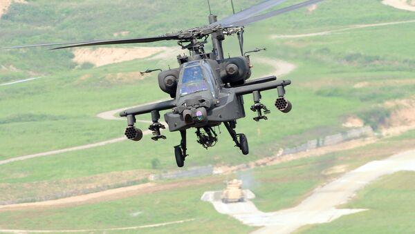 Amerykański śmigłowiec szturmowy Apache AH-64 podczas ćwiczeń wojskowych w Korei Południowej - Sputnik Polska