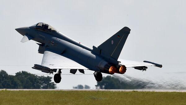 Samolot Eurofighter Typhoon w Berlinie - Sputnik Polska