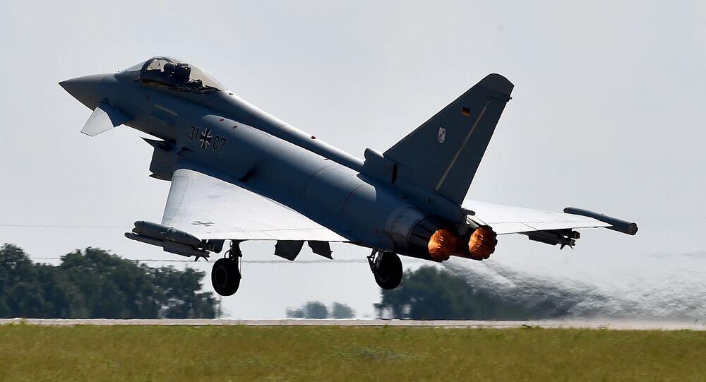Samolot Eurofighter Typhoon w Berlinie