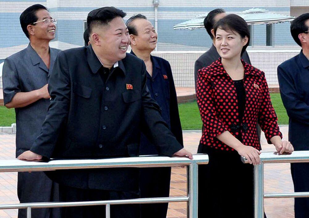 Lider KRLD Kim Dzong Un podczas parady w Pjongjang