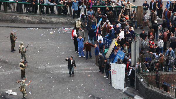 Starcia zwolenników i przeciwników Husni Mubaraka w Kairze - Sputnik Polska