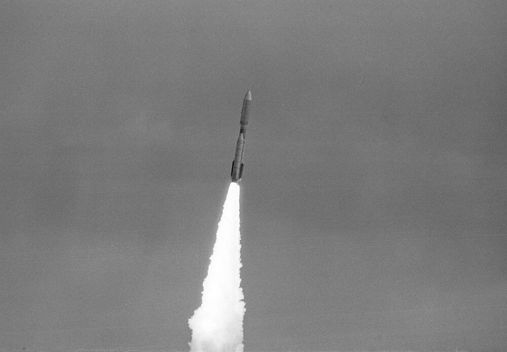 Voyagery były trzecim i czwartym aparatem kosmicznym, których plan lotu przewidywał wylot poza granice Układu Słonecznego (pierwsze dwa to Pionier-10 i Pionier-11).