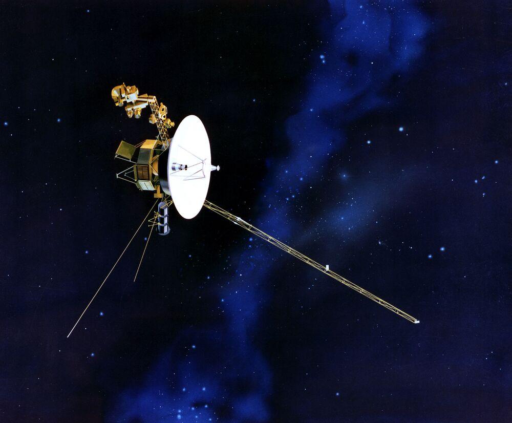 Jak oczekują twórcy sond, Voyagery będą działać jeszcze co namniej do 2020 roku i zbiorą informację o właściwościach środowiska międzygwiezdnego oraz granicy między heliosferą i otwartym kosmosem.