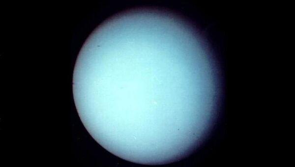 Zdjęcie Uranu zrobione przez sondę kosmiczną Voyager-2 w styczniu 1986 roku - Sputnik Polska