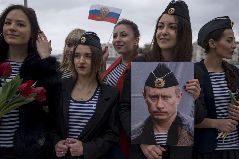 Zdjęcie rosyjskiego fotografa Michaiła Mordasowa Krym - rok po przyłączeniu do Rosji II miejsce Międzynarodowego Konkursu im. Andreja Stenina w kategorii Najważniejsze wiadomości.