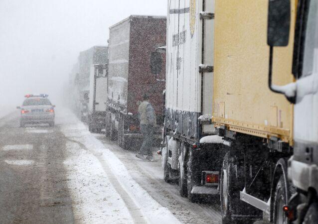 Drogowy transport towarów z Ukrainy do Kazachstanu poprzez Rosję realizowany jest wyłącznie z terytorium Białorusi pod warunkiem posiadania systemu GLONASS