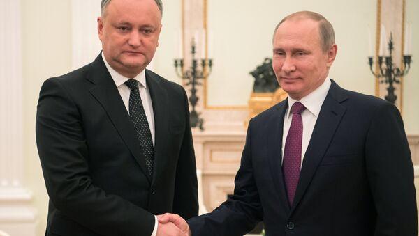 Prezydent Rosji Władimir Putin i prezydent Mołdawii Igor Dodon spotykają się w Moskwie 17 stycznia 2017 roku - Sputnik Polska