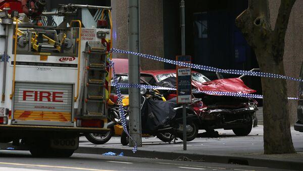 Samochód wjechał w tłum w Melbourne 20 stycznia 2017 - Sputnik Polska