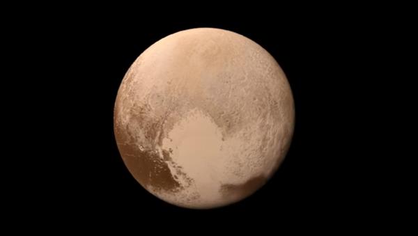 Pierwsze kolorowe wideo lądowania na Plutonie - Sputnik Polska