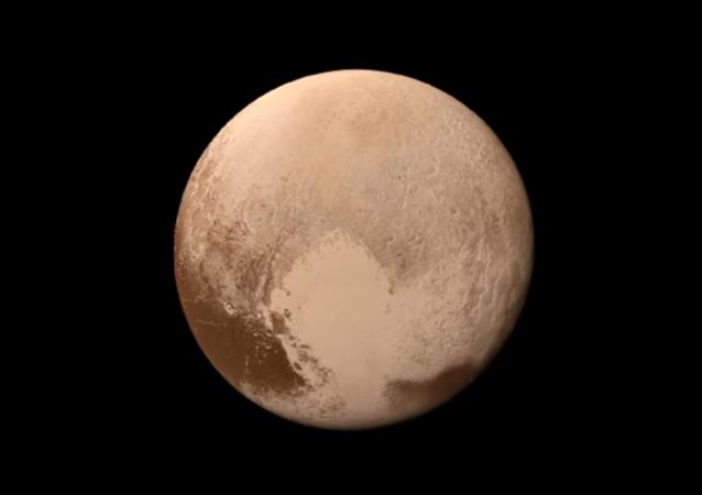 Pierwsze kolorowe wideo lądowania na Plutonie