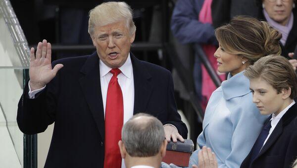 Prezydent USA Donald Trump składa przysięgę - Sputnik Polska