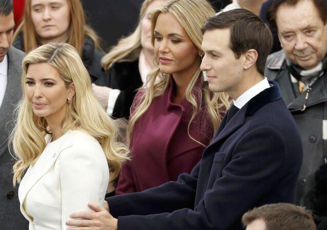 Ivanka Trump i jej mąż Jared Kushner przed rozpoczęciem ceremonii inauguracji