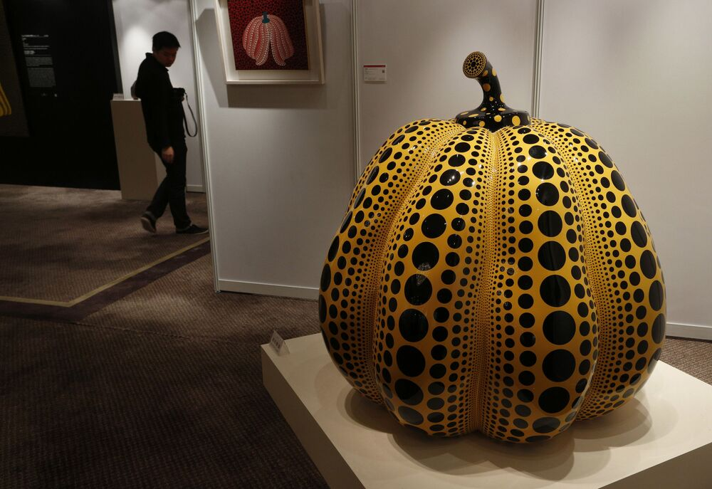 Utwór Dynia japońskiej malarki awangardowej  Yayoi Kusama