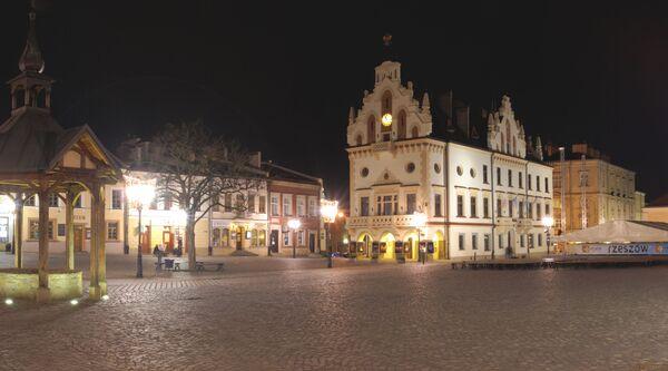 Nocny widok na Rzeszów - Sputnik Polska
