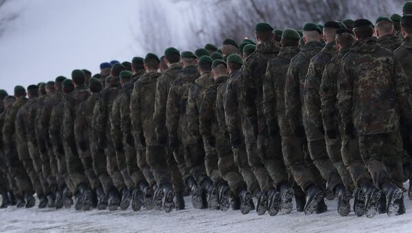 Żołnierze 122. batalionu piechoty Bundeswehry kierują się na miejsce służby na Litwie - Sputnik Polska