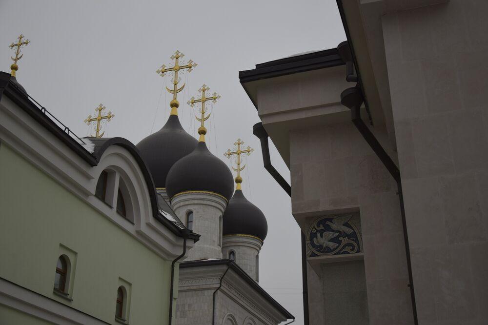 Wygląd cerkwi Ofiarowania Najświętszej Maryi Panny nie zdradza okresu jej powstania, ponieważ świątynia została zbudowana według wzorców architektury z czasów początków rosyjskiej państwowości i przypomina cerkwie Wielkiego Nowogrodu i Pskowa.