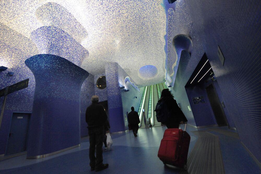 Stacja metra Toledo w Neapolu, Włochy